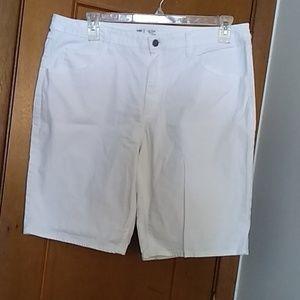 Mid rise Burmuda shorts by Riders, Lee white